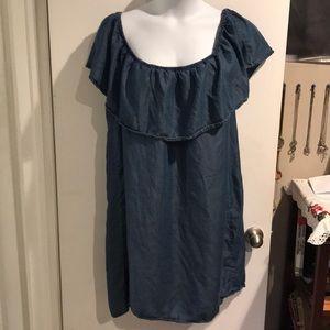 Shoulder less dress